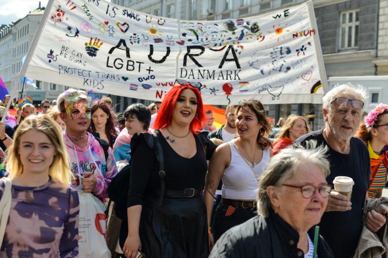 Glade AURA-brugere går under paraden